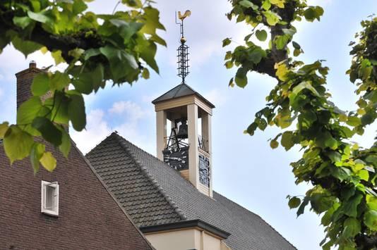 De klok van de hervormde kerk in Bruinisse slaat elk uur, maar beiert ook driemaal daags.