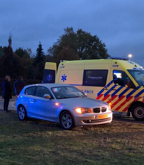 Fietsster gewond naar ziekenhuis na aanrijding Oldenzaal