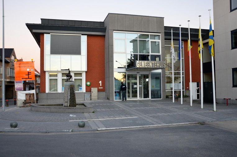 Het gemeentehuis van Lendelede. In het begin van deze legislatuur stegen de gemeentelijke belastingen. Hoe ziet het eruit voor de komende zes jaar?