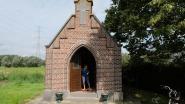 Buren van de Keten bakken pannenkoeken voor hun kapel