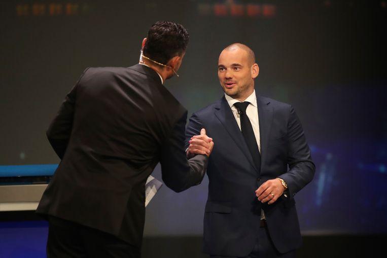 Wesley Sneijder hielp bij de loting.
