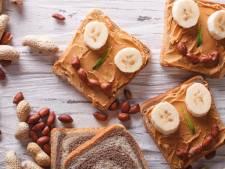 Van een boterham 'oorlog' tot plakfobie: dit wist je nog niet over pindakaas