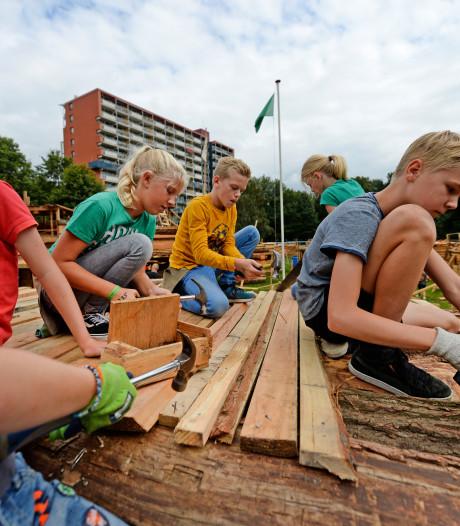 Dit zijn de pareltjes die de jeugd in Almelo dit jaar heeft gebouwd tijdens Huttenland