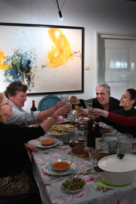 Directeur Heerenlogement krijgt artiesten thuis aan de eettafel