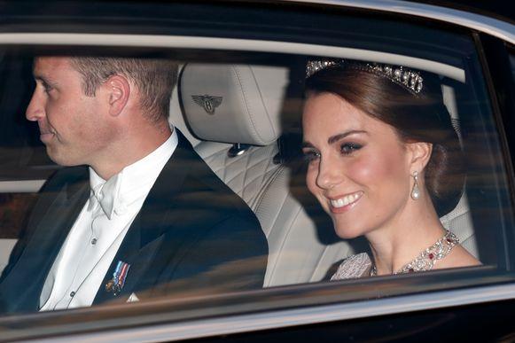 Prins William en Kate arriveerden te laat wegens het drukke verkeer.