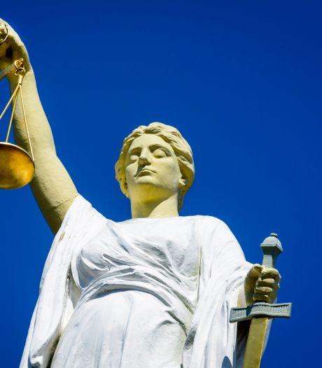 OM eist 8 jaar tegen 52-jarige Zoetermeerder die zijn vrouw neerstak