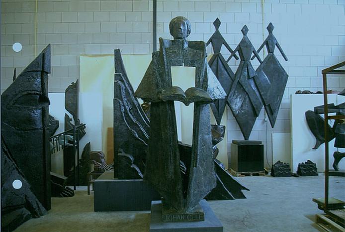 Een beeld van Johan Cele in het atelier van kunstenaar Eric Claus.