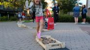 Leerlingen Kiliaan langs blotevoetenpad naar eerste schooldag