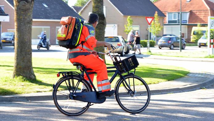 Dan maar een fiets lenen: een trauma-arts ging op twee wielen naar een melding. Met het kind kwam het weer goed.