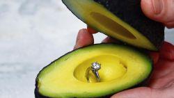 Doe eens een huwelijksaanzoek met ... een avocado
