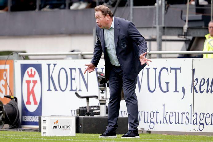 Leonid Sloetski spoort Vitesse aan in Waalwijk.