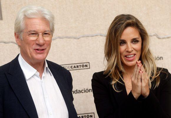 Richard Gere en zijn vrouw Alejandra Silva zijn negen maanden na de geboorte van hun zoon alweer in verwachting.
