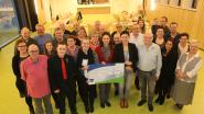 Vriendenkring Maurice en Anita schenkt 1250 euro aan De Klaproos
