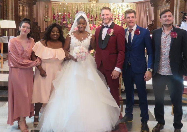 De kerkgemeenschap van Sint-Gillis-Dendermonde deelde zelf een foto van het huwelijk.