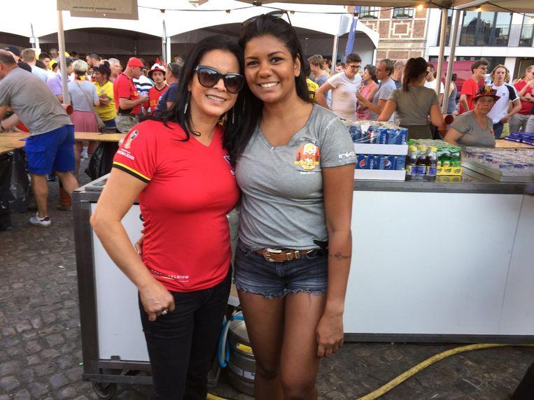 De Braziliaanse Valeria met schoondochter Manu .