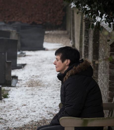 Janneke mag levenloos geboren zoon alsnog inschrijven: 'Al die jaren was het of hij niet bestaan heeft'