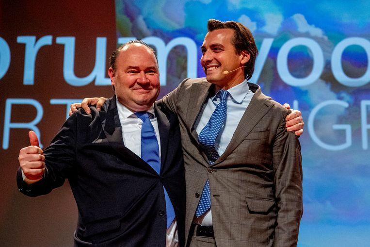 Thierry Baudet en Henk Otten in betere tijden, op het congresvan Forum voor Democratie in november vorig jaar. Beeld Hollandse Hoogte / Robin Utrecht