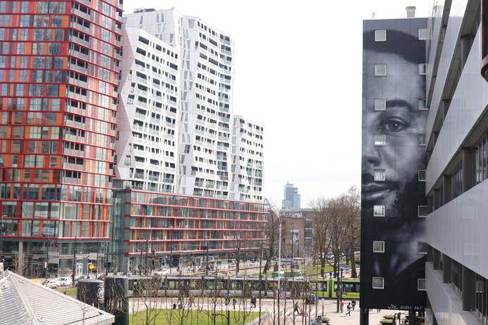 De muurschildering van Winne is een echte eyecatcher bij het Kruisplein.