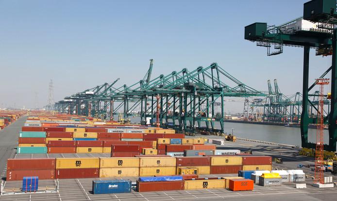 Archieffoto: containerkade in de haven van Antwerpen