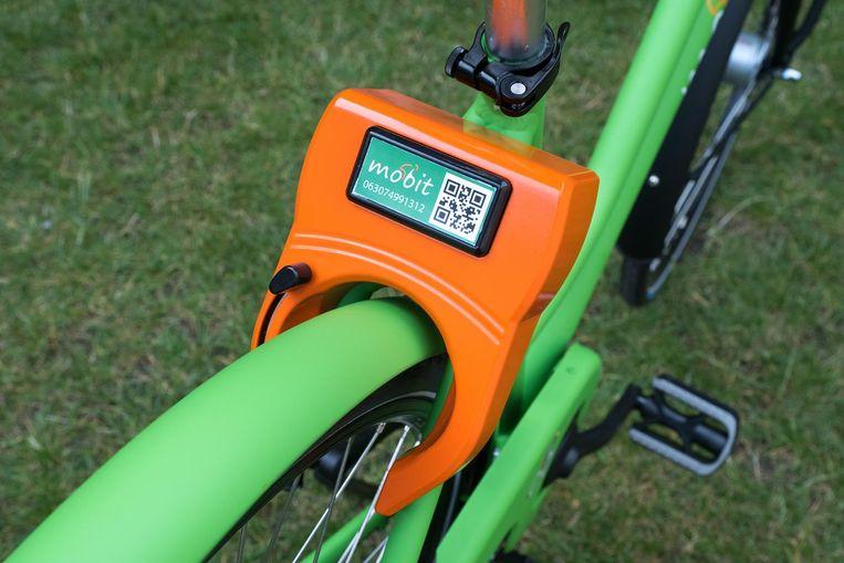 Met je smartphone scan je de QR-code op de fiets.