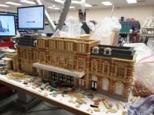 Steentje voor steentje krijgt Legoland in Scheveningen vorm