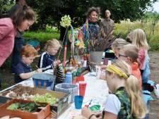 Het maakbare paradijs in het Waspikse Voedselbos, Open dag trekt ruim driehonderd bezoekers