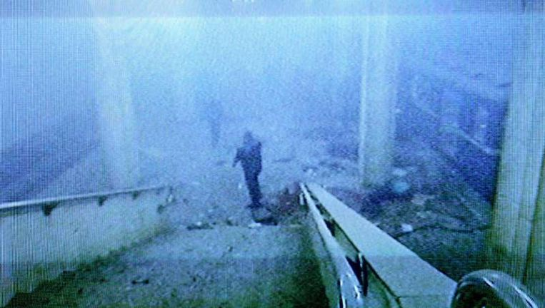 Beelden van een Wit-Russische tv-zender laten een met rook gevulde ruimte zien, vlakbij waar de aanslag heeft plaatsgevonden. Beeld afp