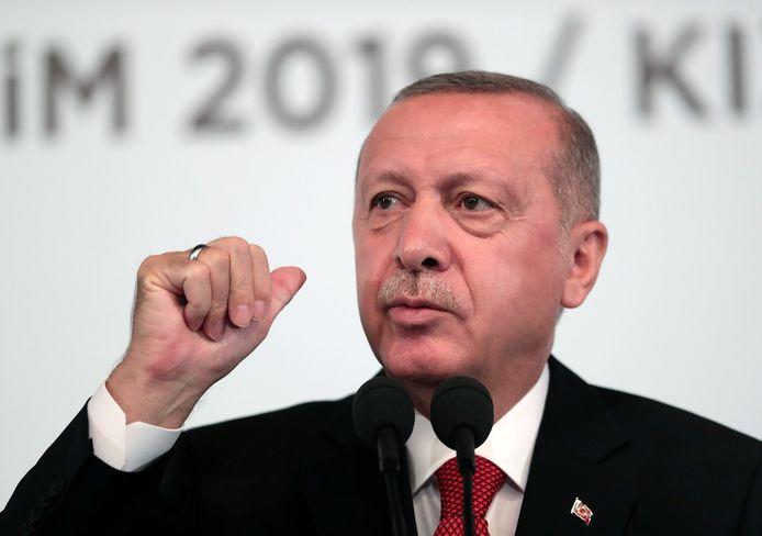 Turkse president Erdogan vandaag tijdens zijn toespraak voor zijn partijgenoten.