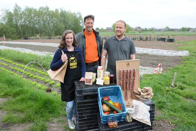 Marijke Lambregts is de drijvende kracht achter de Buurderij Kruibeke en Beveren en werkt samen met lokale producenten zoals Gunther De Brauwere en Johan Van Cleemput.