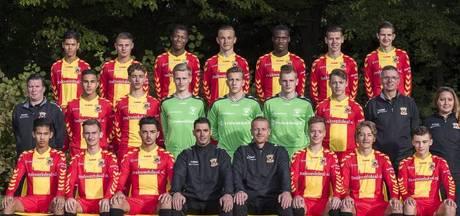 Voetballers Eagles naar Deventer Ziekenhuis voor medische begeleiding