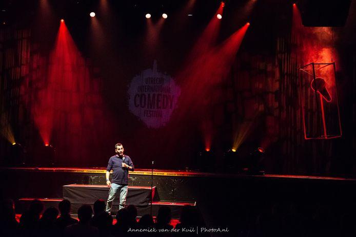 Anuar op het Comedy Festival in Utrecht.
