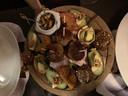 De Zeeuwse plank bij eet- en drinklokaal Hart van Tholen.