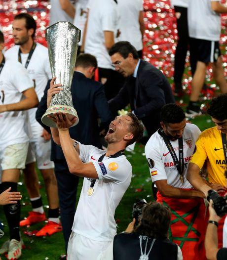 Kopgoals De Jong helpen Sevilla aan nieuwe Europa League-zege in sensationele finale