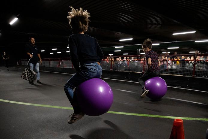 BSO Ekenrooi doet mee aan de actie van Radio538 voor Spieren-voor-Spieren. Hezemans Indoor Karten heeft de baan beschikbaar gesteld voor deze skippyballenrace.