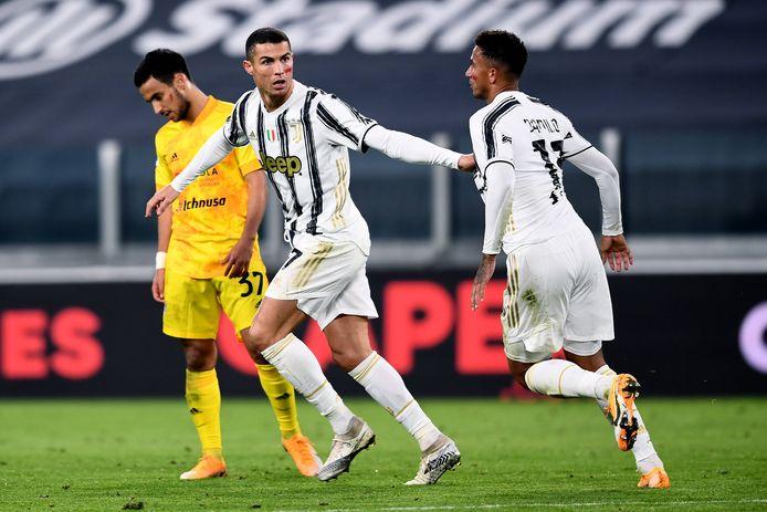 Ronaldo viert een doelpunt met Danilo.