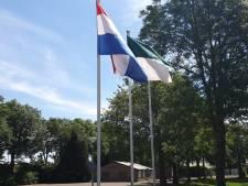 In Lobith en Tolkamer wapperen vlaggen voor alle  overleden en levende schutters