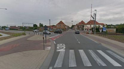 Ouders en zoontje van 4 gewond bij frontale botsing in Heidelbergstraat