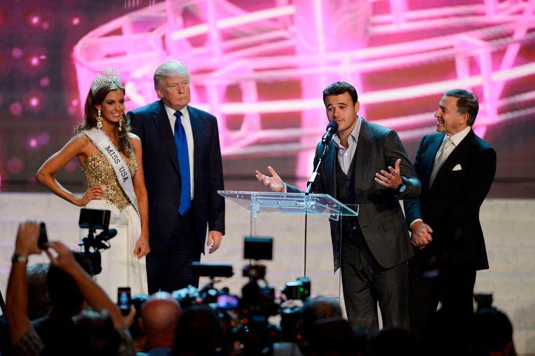 Trump met Miss Connecticut 2013, Emin Agalarov en diens vader Aras.