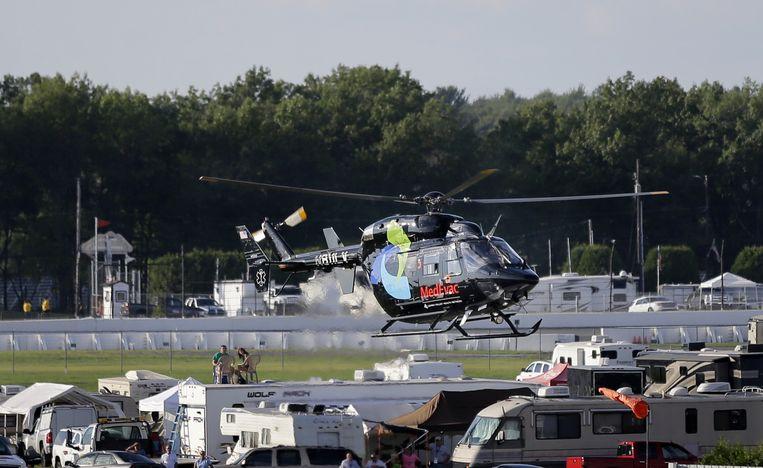 De traumahelikopter met aan boord Wilson stijgt op bij het circuit in Pennsylvania. Beeld ap