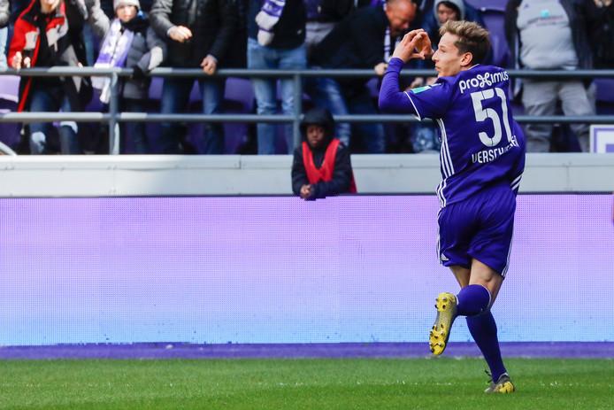 Yari Verschaeren célèbre son but contre le Standard