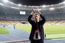 Edwin van der Sar dankt in Kiev de meegereisde Ajax-fans.