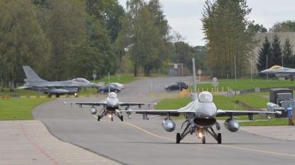 """""""Technicus vuurde per ongeluk oefenmunitie af waardoor andere F-16 ontplofte en uitbrandde"""""""
