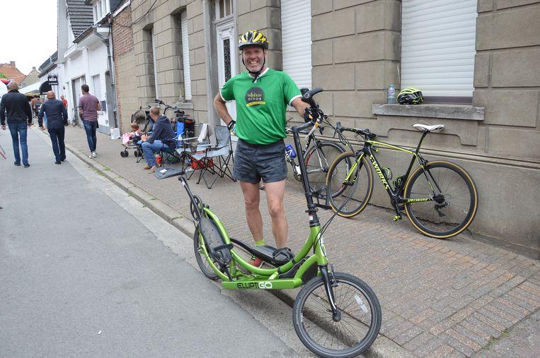 Geert De Mulder nam met zijn Elliptigo deel aan het wielerweekend in Iddergem.