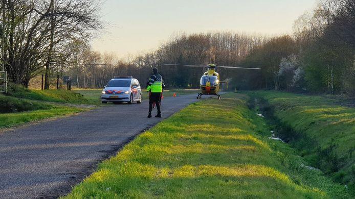 Een jongen is op  de Elsmarsweg in Hengelo  gewond geraakt tijdens het crossen met zijn motor