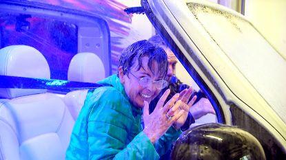 Luk Alloo gaat met Ingeborg 'door de wind, door de regen' in '(h)ALLOO-MEDIA'