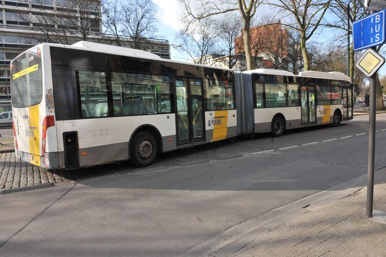 De Lijn zal extra accordeonbussen inzetten.