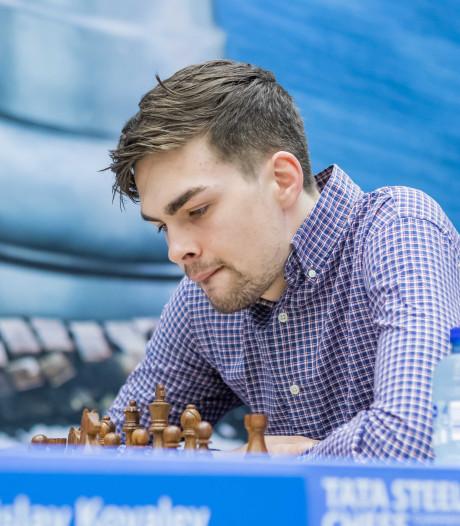 Van Foreest blijft na remise in spoor van Tata Steel Chess-leider Caruana
