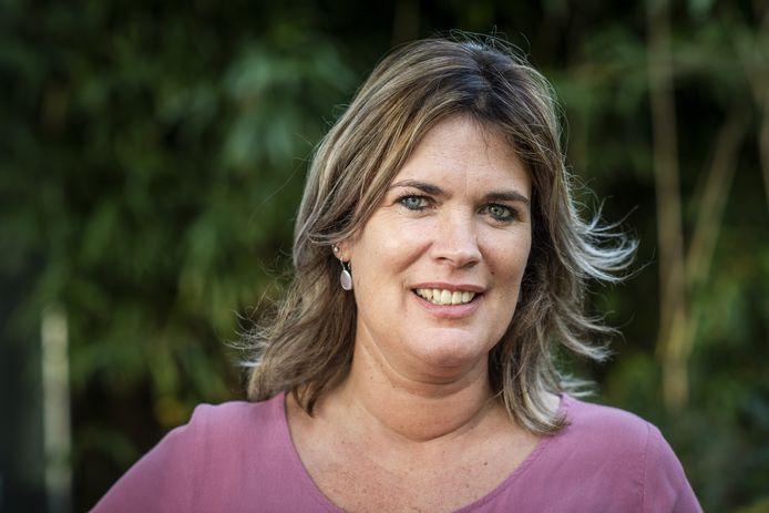 Esther uit Vroomshoop was één van de vrouwen die het hart van boer Geert probeerde te veroveren in televisieprogramma Boer Zoekt Vrouw.