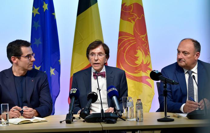 La conférence de presse des négociateurs wallons présentant l'accord de gouvernement wallon le 9 septembre dernier à Namur (Jean-Marc Nollet, Ecolo, Elio Di Rupo,PS, Willy Borsus, MR).