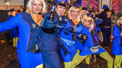 """Veel """"voil"""" volk voor """"Jeanettenstoet"""" en popverbranding op Aalst Carnaval"""